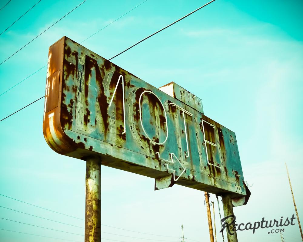 Abandoned Motel - Decker, IL
