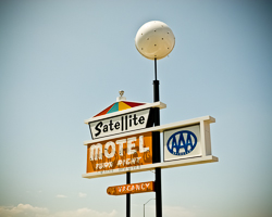 Satellite Motel (Omaha, NE)