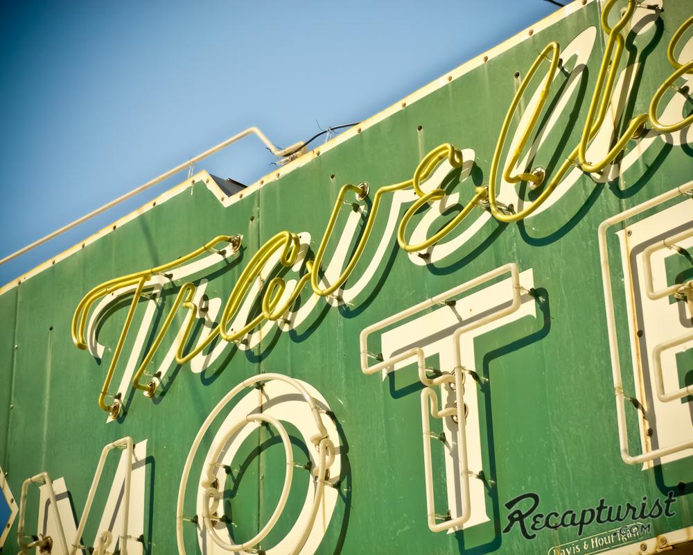 Travelier Motel - Macon, MO